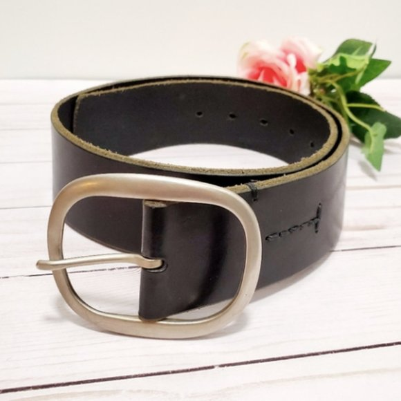 Banana Republic Accessories - Banana Republic Curved Black Leather Belt Size S